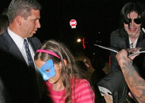 Michael Jackson and Kids Gear Up For Halloween [update]