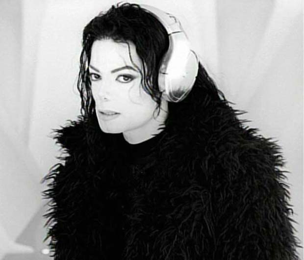 michael_jackson_scream_11